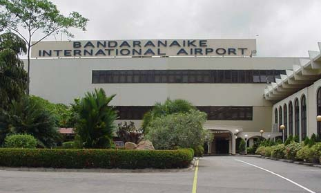 DAY 1 : Colombo Airport - Habarana